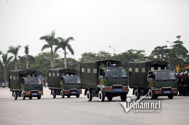 Xe chở quân có thể chở 1 tiểu đội đi làm nhiệm vụ, có khả năng cơ động nhanh