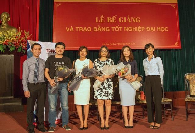 Đại diện Uber, Đại Việt Group, Navigos và VnDirect chia sẻ cơ hội việc làm với các tân cử nhân Topica E-learing.
