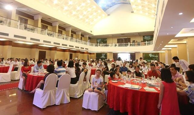 Sự kiện thu hút hơn 500 khách mời đến tham dự và nghe tư vấn về dự án