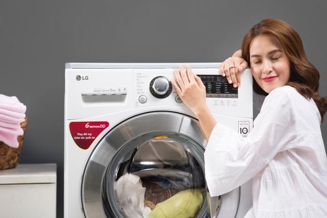 Nhờ động cơ gắn trực tiếp vào lồng giặt, máy giặt giờ đây hoạt đồng bền bỉ mà hoàn toàn êm ái, tuổi thọ từ đó cũng được nâng cao.