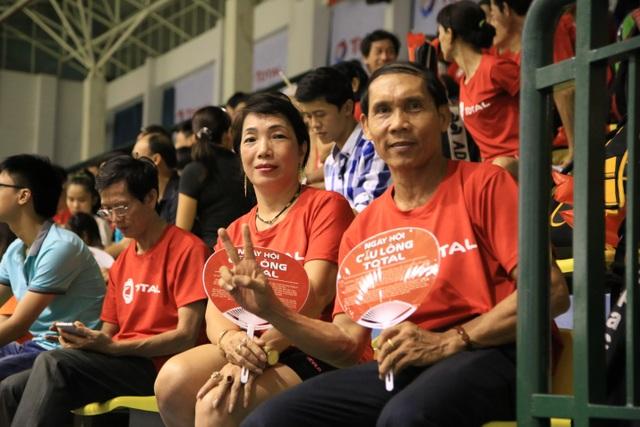 154, là số vận động viên đến từ hơn 20 đơn vị trên toàn địa bàn thành phố Hồ Chí Minh tham gia tranh tài trong suốt 03 ngày chính thức của Ngày hội Cầu Lông Total. Với việc các vận động viên đến từ nhiều ngành nghề khác nhau, giải đấu thực sự mang đến cho người hâm mộ những góc nhìn rất thú vị