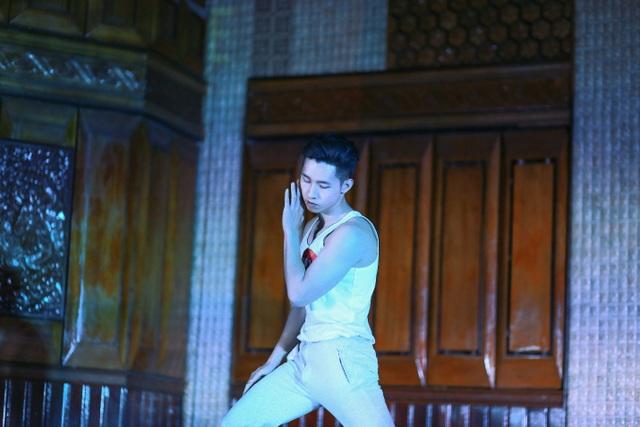 Văn Đại với những phút giây thăng hoa trong bài nhảy của mình.