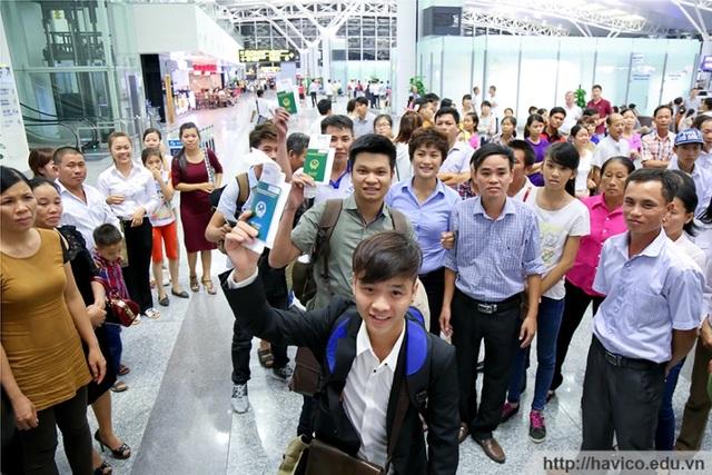 Du học sinh lên đường tới Nhật tại sân bay Nội Bài – Hà Nội