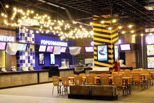 Quầy Popcorn được thiết kế hiện đại, khi đến rạp chiếu phim vào thứ 6 hàng tuần các bạn sẽ được tặng miễn phí 1 bỏng nếu đi 2 người nữa đấy.