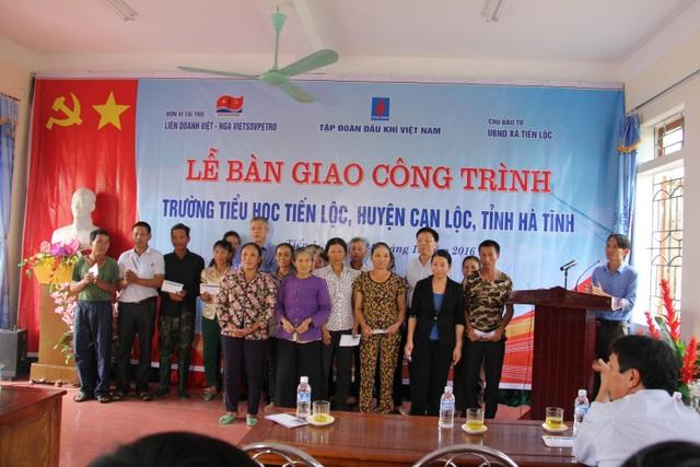 Bàn giao công trình tại trường Tiểu học Tiến Lộc- huyện Can Lộc-Hà Tĩnh