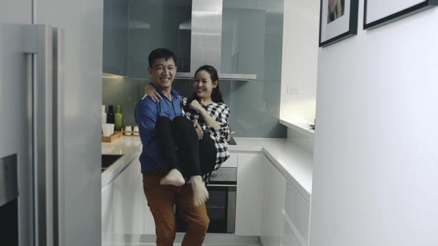 Kết thúc câu chuyện có hậu khi anh chồng anh Đông chị Hà và một số gia đình hàng xóm tìm được nơi ở mới và quyết định chuyển nhà đến chung cư cao cấp GoldSilk trong niềm vui vỡ òa.