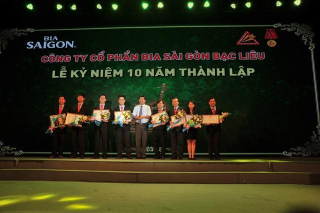 Cá nhân xuất sắc nhận bằng khen của Chủ tịch UBND tỉnh Bạc Liêu