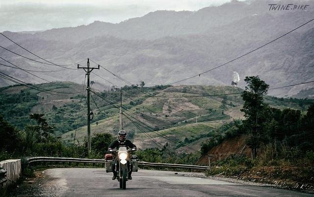 """""""Tôi đi một mình để thực hiện giấc mơ khám phá thế giới bằng xe máy. Đi một mình cũng có cái hay của nó, tôi tự do về mọi mặt, tôi không phải hỏi ý kiến bất kỳ ai"""", David chia sẻ."""