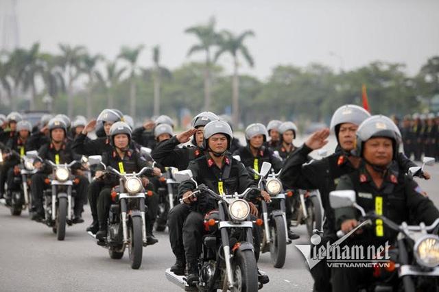 Đội hình xe mô tô phân khối lớn được trang bị cho Trung đoàn Cảnh sát cơ động, cảnh sát đặc nhiệm. Đây là phương tiện phục vụ công tác phòng chống tội phạm, giữ gìn an ninh trật tự, xử lý các tình huống, các hành vi vi pham hiệu quả