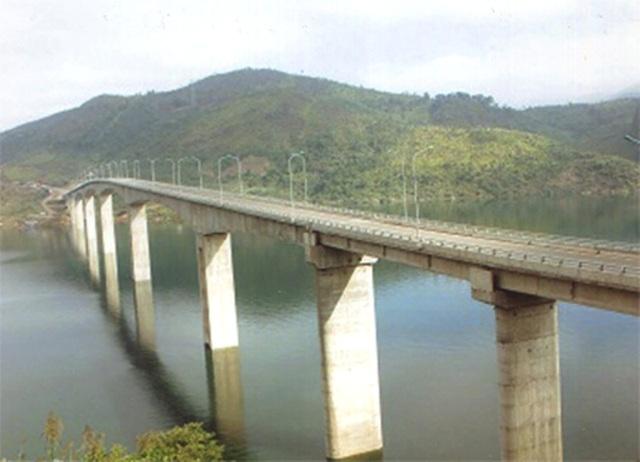 """Những cây cầu giữ kỉ lục """"nhất"""" Việt Nam - 7"""