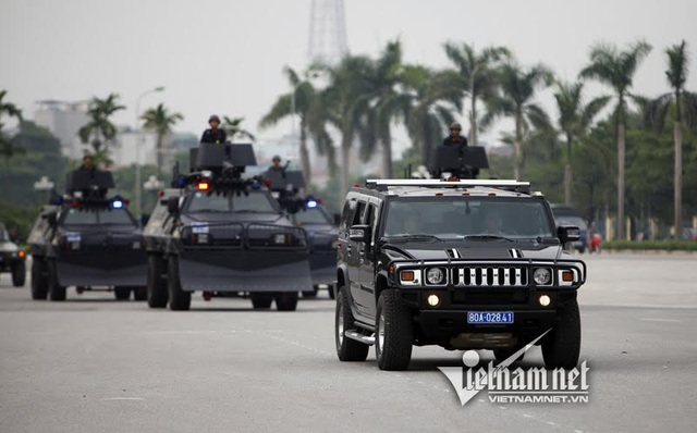 Dàn xe đặc chủng chống đạn của Cảnh sát cơ động Hà Nội - 9