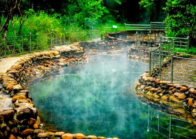 Những suối nước nóng nổi tiếng nhất Việt Nam - 9