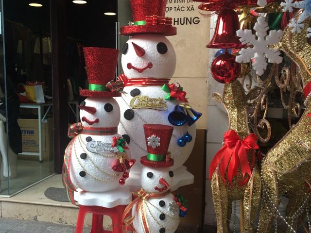 Người tuyết được các cửa hàng tự sản xuất