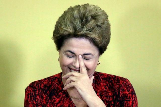 Sau khi bị luận tội sử dụng ngân sách trái phép, Tổng thống Brazil Dilma Rousseff đã bị Quốc hội nước này phế truất, chấm dứt 13 năm cầm quyền của đảng Lao động. Ông Michel Temer, người kế nhiệm của bà Rousseff, đã tiếp quản điều hành trong bối cảnh đất nước chia rẽ sâu sắc.