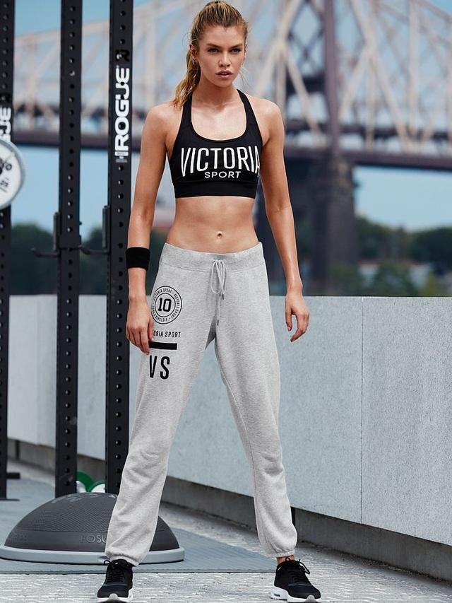 Stella Maxwell là chân dài đình đám của Victorias Secret