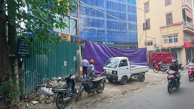 Hà Nội: Sập giàn giáo chung cư, 2 người chết, 4 người bị thương - 4