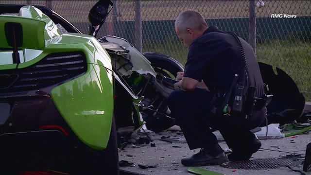 Siêu xe McLaren tan nát sau tai nạn - 4