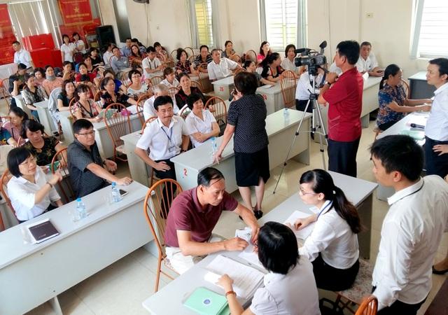 Buổi cấp sổ BHXH mới cho 58 lao động tại Hải Phòng hôm 23/8.