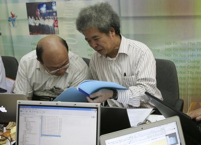 Sau đó cùng thảo luận, đánh giá các sản phẩm được sàng lọc đưa vào vòng sơ khảo.