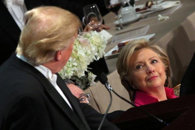 Ông Trump liên tục mỉa mai bà Clinton khi phát biểu. (Ảnh: Reuters)