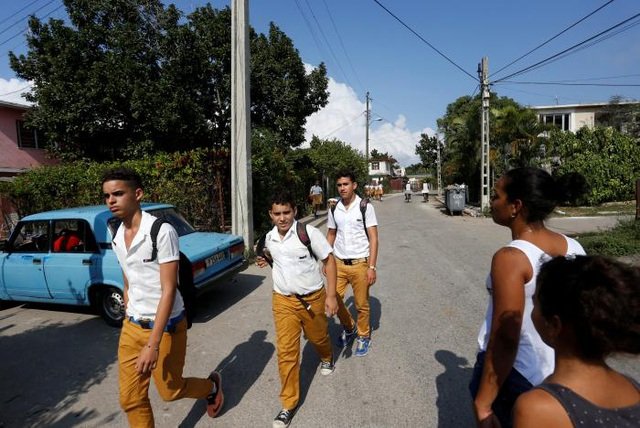 Người dân tại khu vực Jaimanitas. (Ảnh: Reuters)