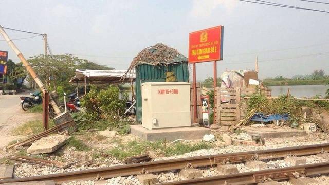 Hà Nội: Tàu hỏa tông ô tô, 5 người tử vong, 2 người nguy kịch - 6