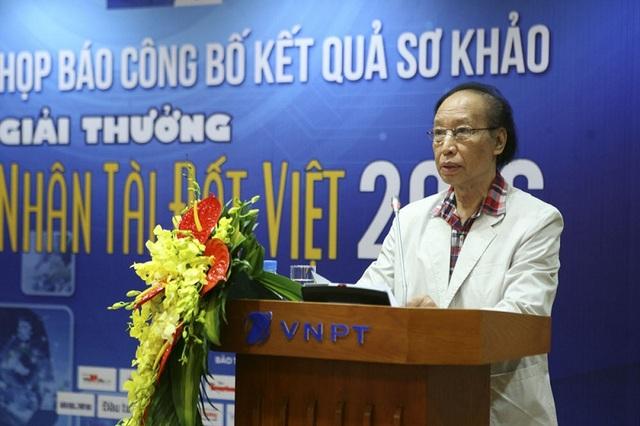 Nhà báo Phạm Huy Hoàn - Tổng biên tập Báo điện tử Dân trí, Trưởng ban tổ chức Giải thưởng Nhân tài Đất Việt 2016 phát biểu tại buổi họp báo công bố kết quả sơ khảo.