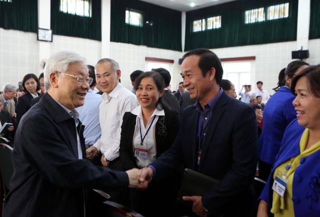 Tổng Bí thư Nguyễn Phú Trọng tiếp xúc cử tri Quận Long Biên chiều 6/12