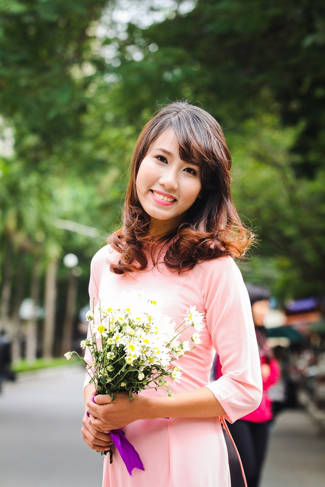 Là SV lớp chất lượng cao khoa Ngữ văn - ĐH Sư phạm Hà Nội, Nguyễn Thanh Nguyệt từng nhận học bổng loại giỏi và xuất sắc trong suốt 8 kỳ học thời sinh viên.