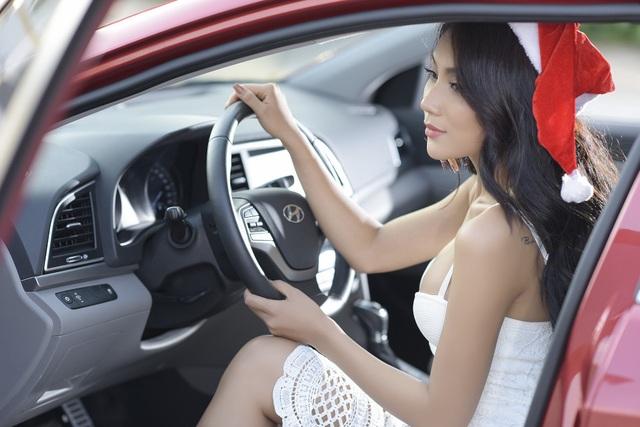 Triết lý thiết kế HMI (Human Machine Interface) của Hyundai được áp dụng trên xe đem tới một giao diện thân thiện, dễ sử dụng được thể hiện qua sự tỉ mỉ đến từng chi tiết trong xe.