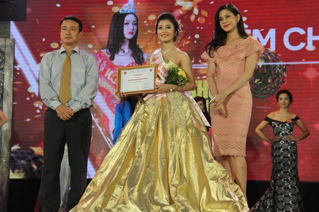 Người đẹp thân thiện Dr. Thanh thuộc về Nữ sinh Nguyễn Thị Hồng Thắm