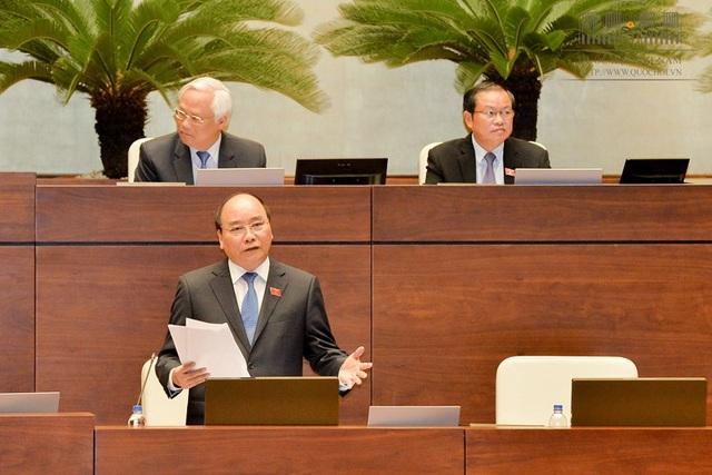 Thủ tướng đề nghị đại biểu thông tin lại về những vụ tiêu cực, tham nhũng bị chìm xuồng để xử lý dứt khoát.