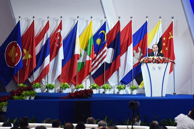 Thủ tướng Nguyễn Xuân Phúc phát biểu tại lễ khai mạc.