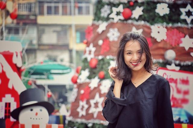 Cựu học sinh lớp chuyên tiếng Nhật của THPT chuyên Ngoại ngữ Bá Thu Huệ được tuyển thẳng đại học khi đạt điểm trung bình lớp 12 là 9,1; điểm trung bình môn chuyên là 9,2.