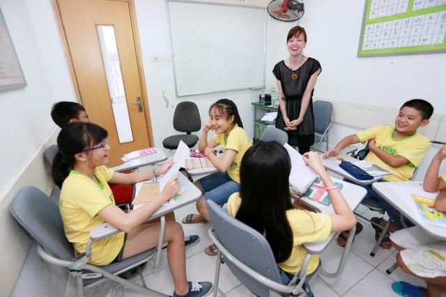 Tiếng Anh toàn diện trang bị cho người học nhiều kỹ năng quan trọng như làm việc nhóm, thuyết trình…