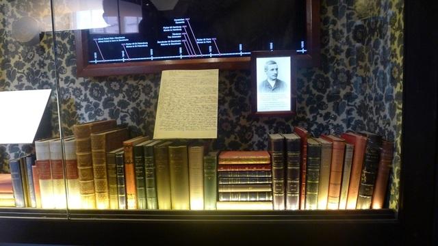 Bảo tàng có một khu triển lãm về Alfred Nobel, trong đó có bản di chúc viết tay của ông. Người ta gọi Alfred Nobel bằng nhiều cách, như nhà phát minh, kỹ sư, nhà hóa học, nhà sản xuất vũ khí doanh nhân, triệu phú Thụy Điển. Ông nắm giữ 355 bằng phát minh, trong đó thuốc nổ dynamite là phát minh nổi tiếng nhất của ông.
