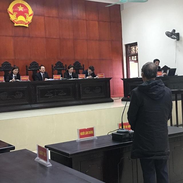 Ông Vũ Văn Hùng, chồng bà Hát đề nghị HĐXX xem xét ngoài bị cáo Dũng còn có nghi phạm nào khác không?