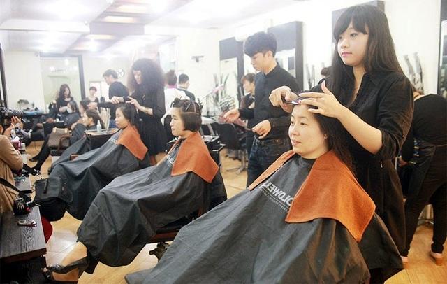 Nhu cầu chăm sóc tóc làm đẹp của chị em ngày càng cao (ảnh minh họa)