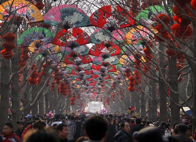Khung cảnh một lễ hội đón năm mới ở Trung Quốc. (Ảnh: Dailymail)