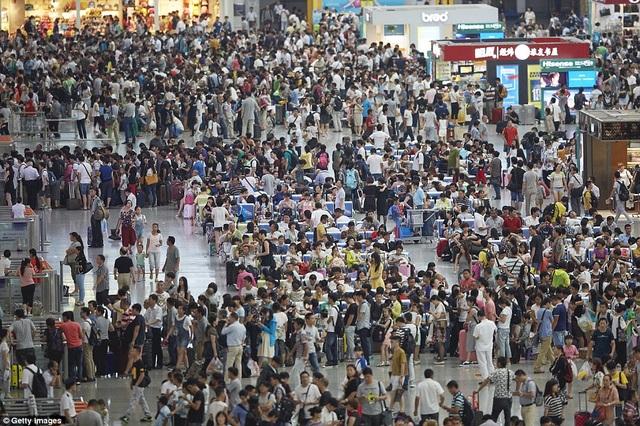 Sân bay quốc tế Hồng Kiều ở Thượng Hải đón lượng khách kỷ lục. (Ảnh: Getty)