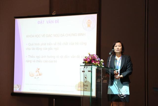 Tiến sĩ - Bác sĩ Nguyễn Thị Thanh Mai - Đại học Y Hà Nội phát biểu tại hội nghị