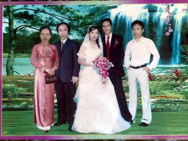 Ông Long được ghép ảnh vào đám cưới của con trong khi bản thân vẫn đang bị giam cầm