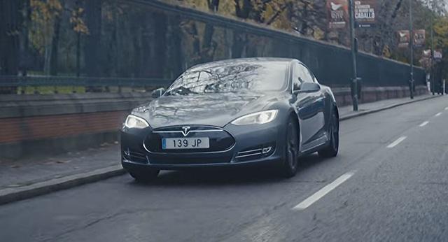 Uber triển khai đội xe Tesla Model S tại Madrid - 1