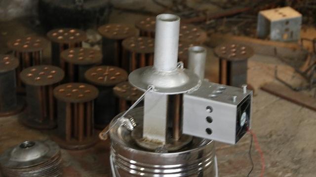 Cận cảnh công nghệ sưởi ấm gia cầm từ bếp than tổ ong - 4