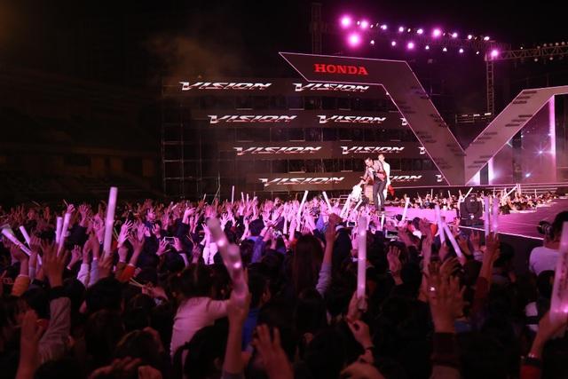 7 khoảnh khắc bùng nổ của Lễ hội thời trang và âm nhạc ngoài trời Vision - Steps of Glory tại Hà Nội - 5