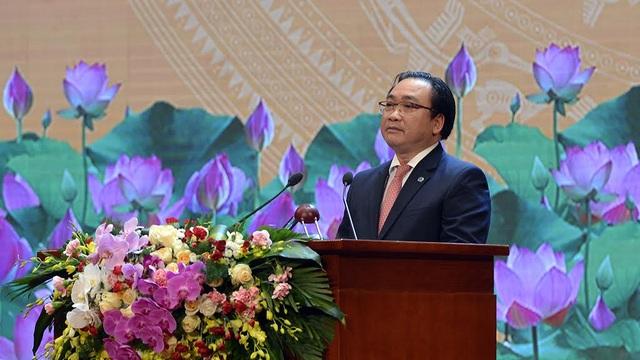 Bí thư Hà Nội Hoàng Trung Hải tái hiện Ngày toàn quốc kháng chiến (Ảnh: Mạnh Thắng)