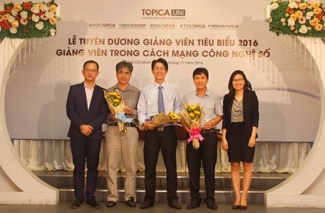 """Vinh danh """"Giảng viên tiêu biểu 2016"""" tại khu vực TP Hồ Chí Minh"""