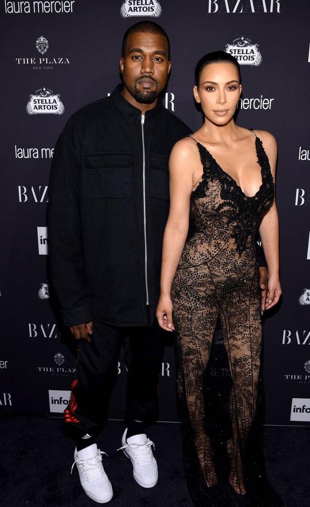 """Phản cảm với thời trang """"mặc như không"""" của Kim Kardashian - 9"""
