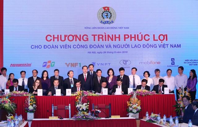 Lễ ký kết được diễn ra dưới sự chứng kiến của Chủ tịch nước Trần Đại Quang.