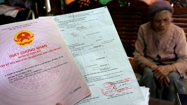 Sau khi Thủ tướng Chính phủ, Bộ trưởng Bộ Tài nguyên và Môi trường chỉ đạo các ngành chức năng tỉnh Lâm Đồng đã cấp sổ đỏ cho cụ Lích với mức áp thuế 0 đồng. Trong khi đó, với cách tính thuế của UBND huyện Đức Trọng thì cụ Lích phải đóng đến hơn 12,6 tỷ đồng cho 563,9m2 đất huyện.